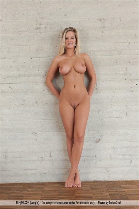 Busty Blonde Beauty Miela Gets Totally Nude Just For You Coed Cherry