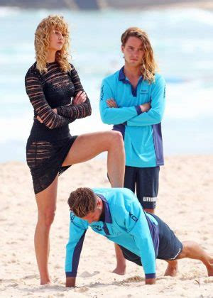 Karlie Kloss Photoshoot Bondi Beach Sydney Gotceleb
