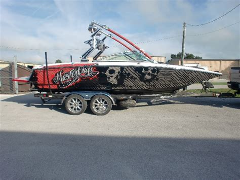Boat Wraps | Graphic Systems Installers