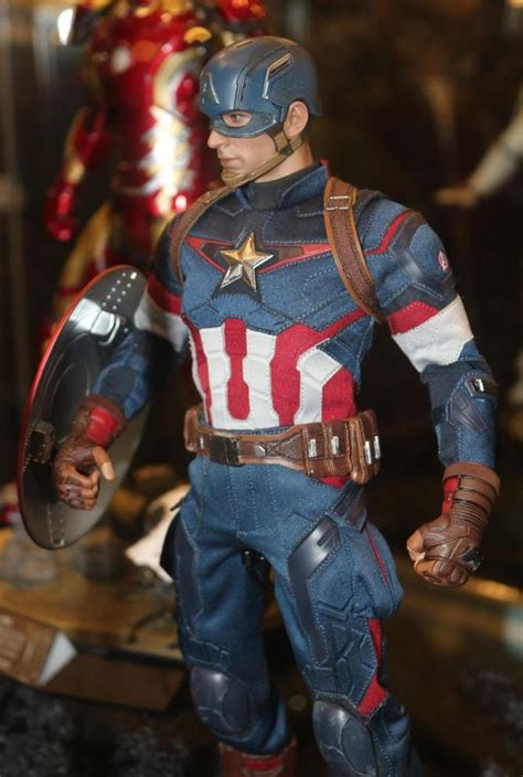 hot toys avengers age  ultron captain america black widow marvel toy news