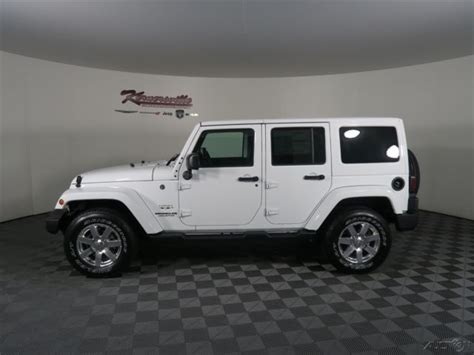 new jeep white 1c4bjweg8hl516518 easy financing new white 2017 jeep