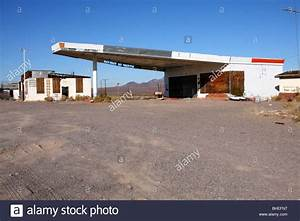 Garage Route 66 : abandoned gas station and garage along route 66 in ludlow stock photo royalty free image ~ Medecine-chirurgie-esthetiques.com Avis de Voitures