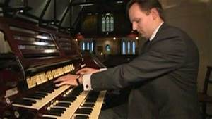 Churches' traditional pipe organs under threat in US - BBC ...