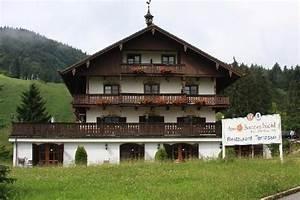 Terrasse Am Haus : haus mit terrasse picture of hotel am sonnenbichl bad wiessee tripadvisor ~ Indierocktalk.com Haus und Dekorationen