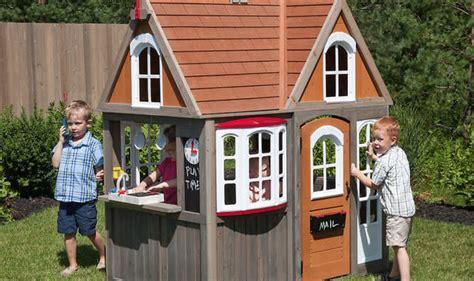 Parents DIY Costco Playhouses Into Mini Dream Homes ...