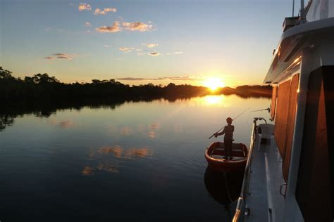 Houseboat Holidays by Coomera Houseboat Holidays Accommodation Gt Houseboat Gay