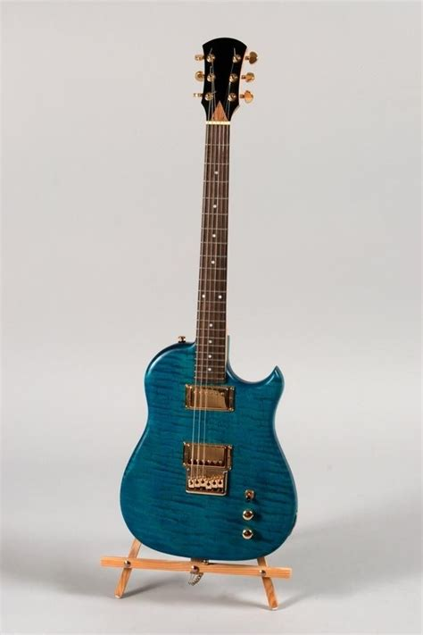hand  blue tiger maple lincsonic electric guitar