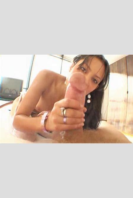 Nude latina