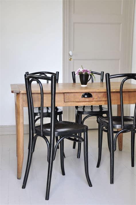 chaise de bistrot 1000 idées sur le thème chaises de bistrot sur