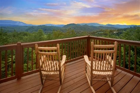 Cabin Rentals Near Sevierville Tn by 2 Bedroom Luxury Theater Room Smokies Cabin With View