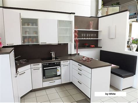Küche Mit Sitzplatz by Rempp Musterk 252 Che Einbauk 252 Che Mit Integriertem Sitzplatz