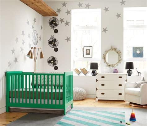 chambre bebe vert chambre bébé fille en nuances de vert inspirantes