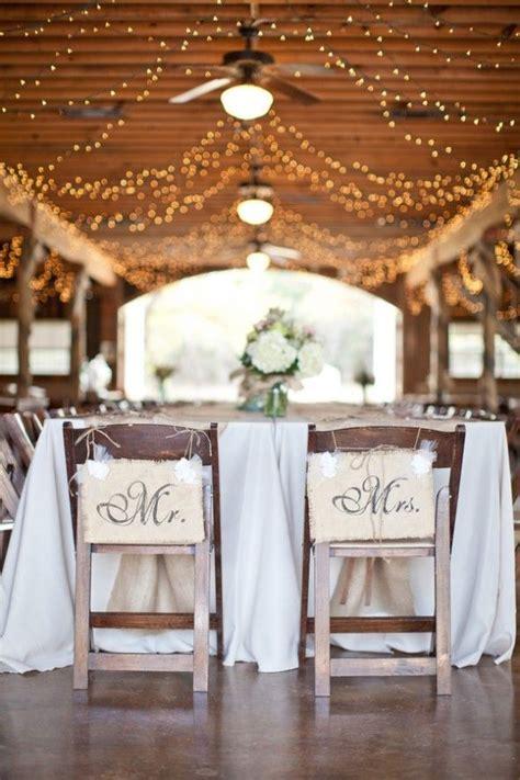 30 Romantic Indoor Barn Wedding Decor Ideas With Lights