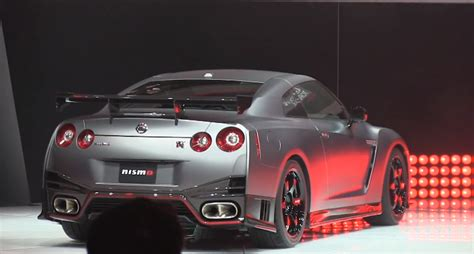 la video reveal of 2015 nissan gt r nismo 600 hp monster from the factory the fast car