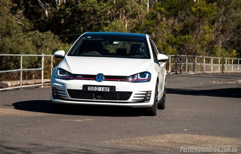golf volkswagen 2016 2016 volkswagen golf gti review video performancedrive