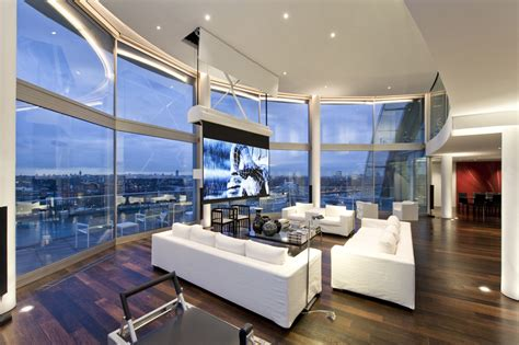 Futuristic Penthouse With Twin Toilets! : 35 Beautiful Penthouse Ideas To Get Inspire
