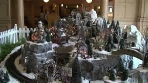 disney s yacht club holiday train set and christmas tree 2011 walt disney world youtube