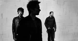 "Muse Debuts ""Dead Inside"" Music Video - Hidden Jams"