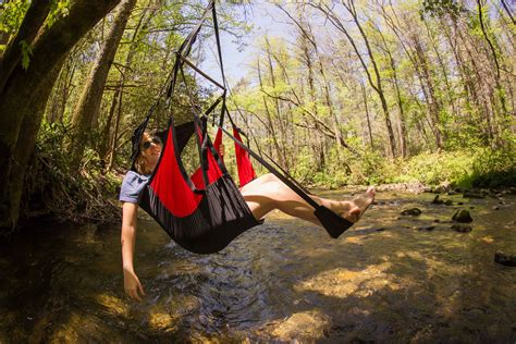 eno air pod hanging indoor or outdoor cing chair swing