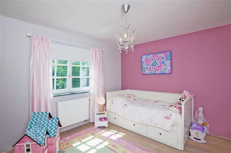 décoration chambre fille 2 ans