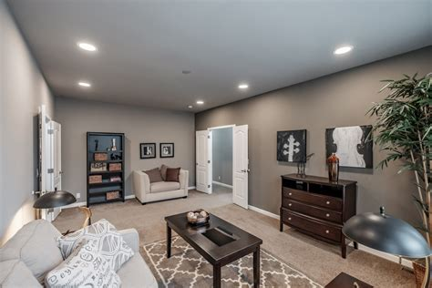 This house is built in eugene, oregon and designed by jordan iverson signature homes. Palm Harbor 4+ Bedroom Manufactured Home Timber Ridge Elite for $170637 | Model 5V468T5 from ...