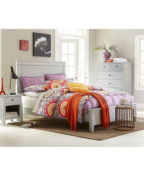 kamron bedroom queen  piece set bed nightstand