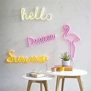 Neon Deco Chambre : n on mural summer summer maisons du monde ~ Melissatoandfro.com Idées de Décoration