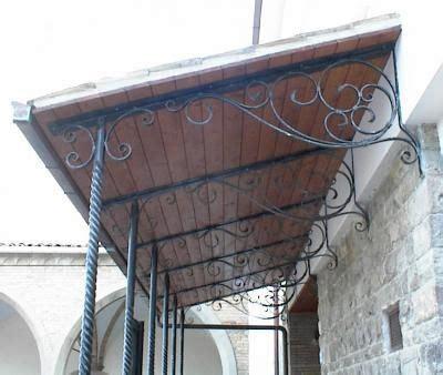 tettoie in ferro battuto tettoia con pilastri in ferro battuto attorcigliato