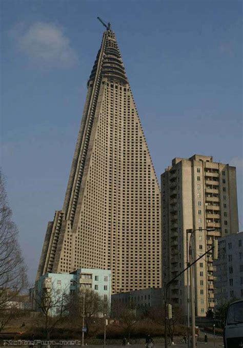 Ryugyong Hotel: Giant Building of North Korea   XciteFun.net