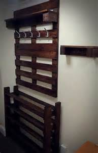 Shoe Hanger For Closet by Hallway Pallet Coat Rack And Shoe Rack 101 Pallets
