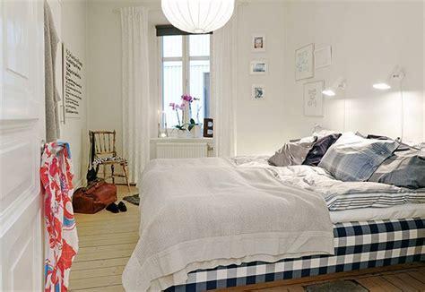 Comfortable Bedroom Apartment Decorations  Irooniecom