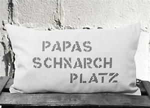 Kissen Zum Besticken : 1 kleines baumwoll kissen bestickt mit papas schnarchplatz oder mit jedem anderen text nach ~ Markanthonyermac.com Haus und Dekorationen