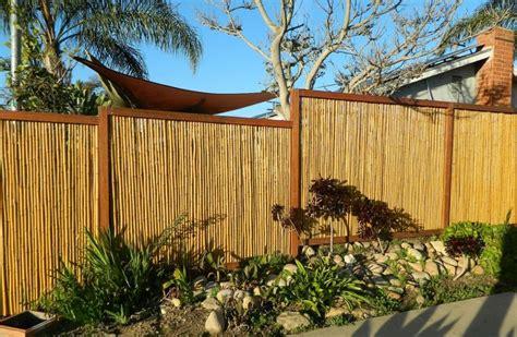 Sichtschutz Garten Originell by Sichtschutz Mit Dekorativem Bambuszaun 50 Originelle Ideen