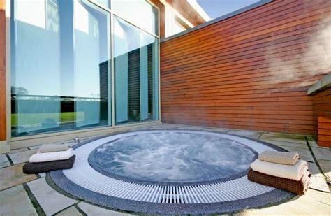 Jacuzzi extu00e9rieur et spa outdoor - 100 idu00e9es pour en amu00e9nager un sur votre terrasse