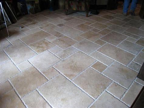 travertine pattern tiles