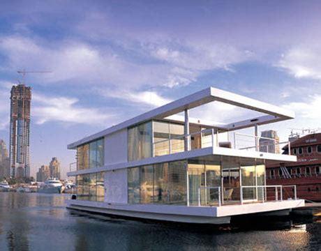 Houseboat Dubai by Amazing Houseboats