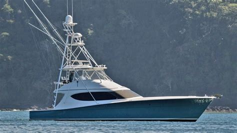 hatteras  gt convertible boat  sale yachtworld
