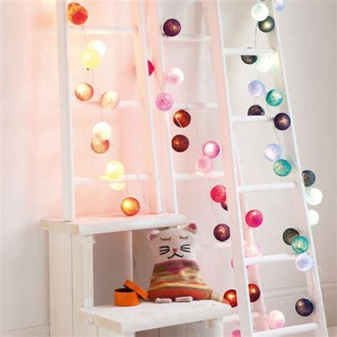decoration chambre bb beaucoup d 39 idées déco avec la guirlande lumineuse boule