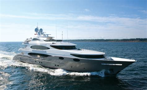 Yacht Eros by Tour Of Below Deck Yacht See Inside Season 3 S