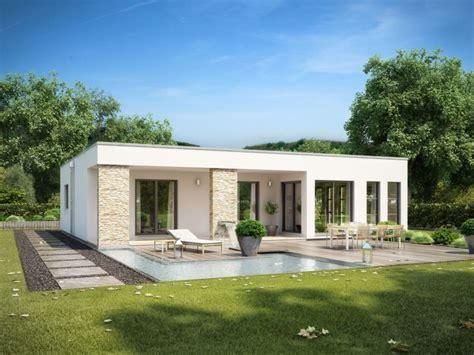 bungalow mit flachdach rensch haus flatline r wohnen auf einer ebende