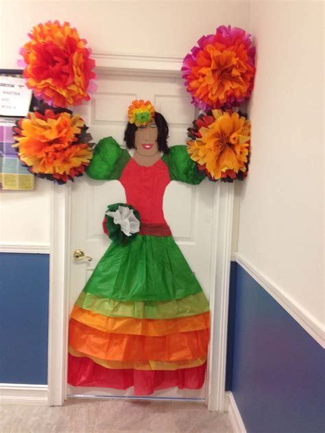 Easy Cubicle Christmas Decorating Ideas by Tissue Paper Mexican Door Decoration Spanish Club Crafts