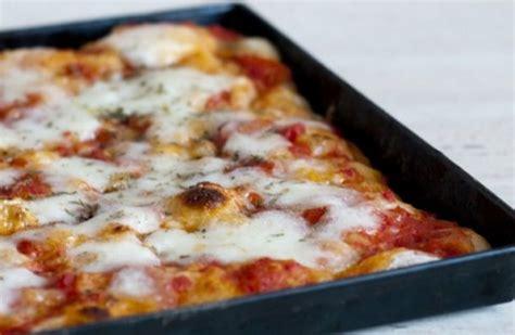 Pizza Fatta In Casa Veloce by Pizza Veloce Fatta In Casa Ricetta Agrodolce