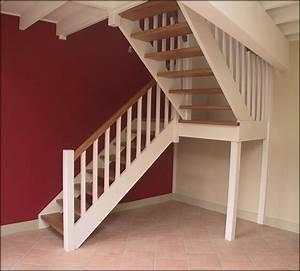 delicieux renovation escalier bois peinture 2 mev sprl With peindre des escaliers en bois 2 mev sprl escaliers droits classiques