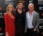 Chris and Liam Hemsworth's dad Craig is super hot | Woman ...