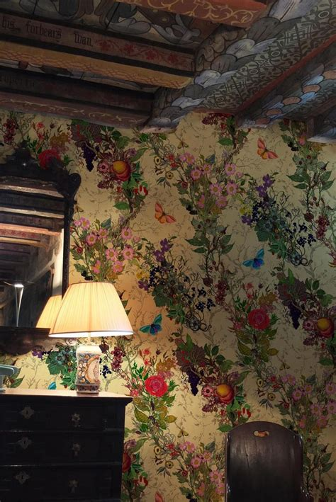 country cottage wallpaper 17 best images about cottage interiors on