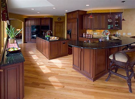 JacqueDesign Interiors   Traditional Cherry Kitchen