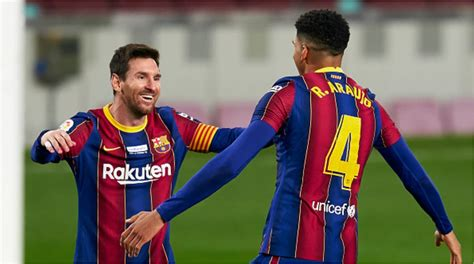 Lionel Messi Equals Pele's Incredible Record of Most Goals ...