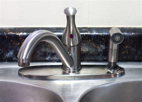 replace  kitchen sink sprayer