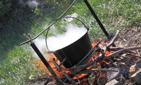 cuisiner au feu de bois 4 conseils pour cuisiner sur un feu de bois trucs pratiques