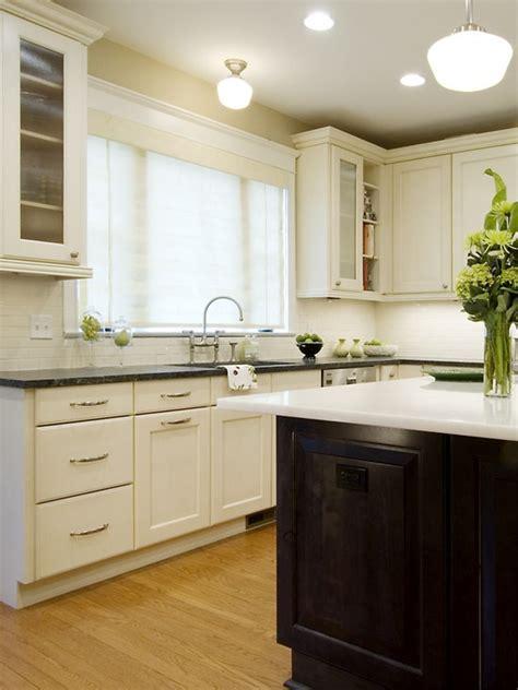 bleeker beige benjamin moore   wall  kitchen